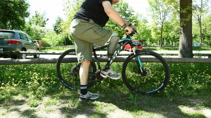 prosthetic-leg-cycling