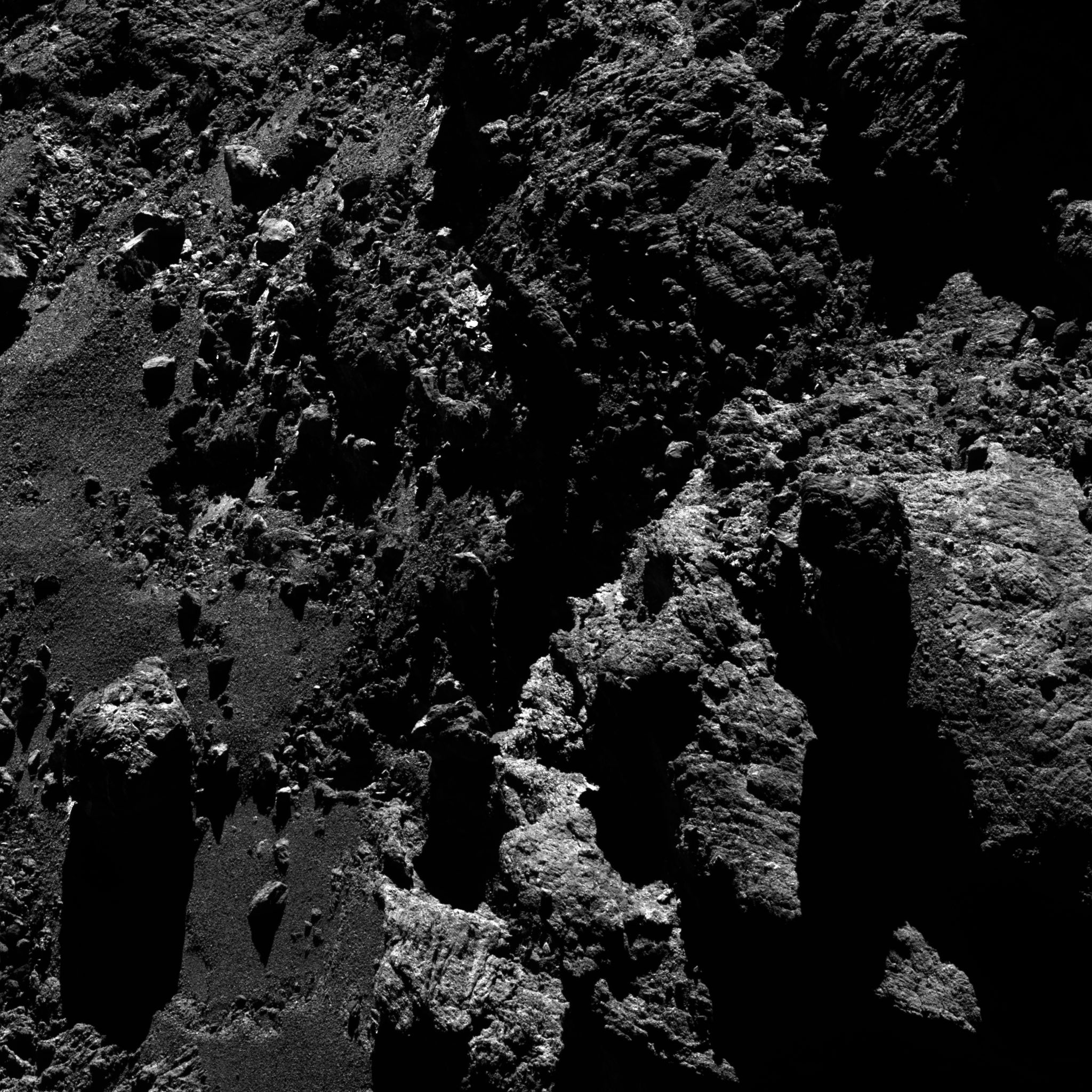 Comet_on_11_May_2016_OSIRIS_narrow-angle_camera
